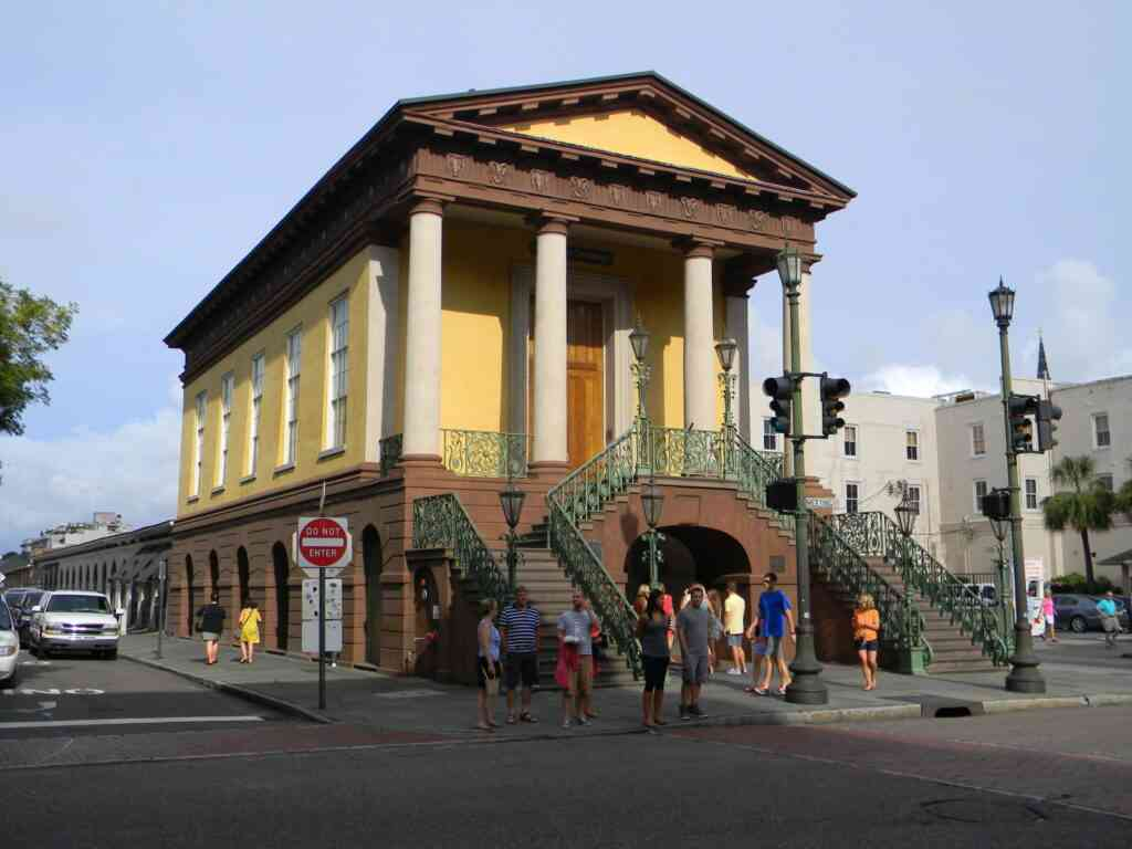The Charleston city market is one of the best things to do in Charleston with kids