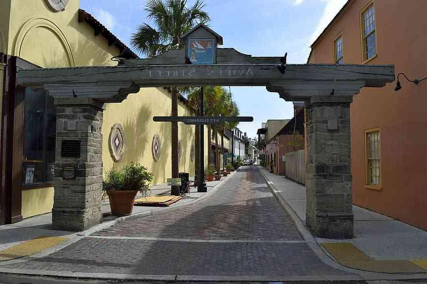visit the colonial quarter in St Augustine with kids