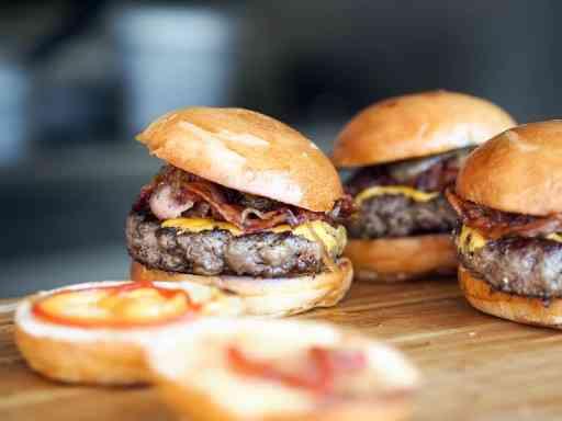Burgers - Best Things To Eat in Houston