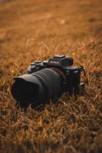 best lens for sony a6000 travel